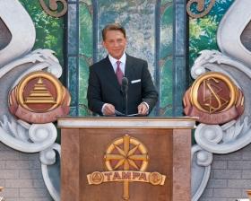 O Sr. David Miscavige, Presidente do Conselho do Religious Technology Center e líder eclesiástico da religião de Scientology, inaugurou o novo lar da Igreja de Scientology de Tampa, em honra do ano do Centenário do Fundador, L. Ron Hubbard.