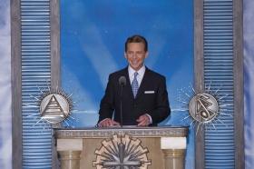 O Sr. David Miscavige, Presidente do Conselho do Religious Technology Center e líder eclesiástico da religião de Scientology, presidiu à dedicação da nova Igreja de Scientology e Centro de Celebridades de Las Vegas.