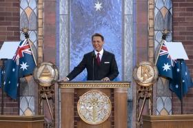 O Sr. David Miscavige, Presidente do Conselho do Religious Technology Center e líder eclesiástico da religião de Scientology, inaugurou o novo lar da Igreja de Scientology de Melbourne.