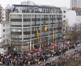 No dia 13 de janeiro de 2007, milhares de Scientologists e convidados das Nações Unidas, a Embaixada dos Estados Unidos e as organizações de notícias europeias participaram da celebração importante da inauguração da Igreja de Scientology de Berlim.